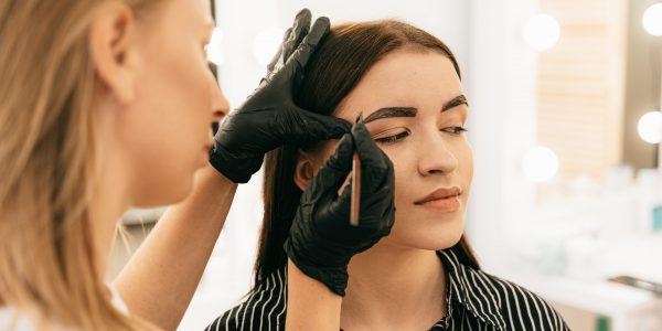 profesjonalne produkty do stylizacji brwi i rzęs
